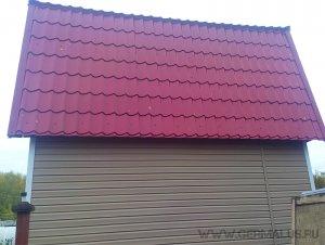 Кровля: металлочерепица супермонтеррей красное вино (RAL3005), сайдинг виниловый под бревно цвет: сакура. Дачный дом. ГЭС. Монтаж 2015 год.
