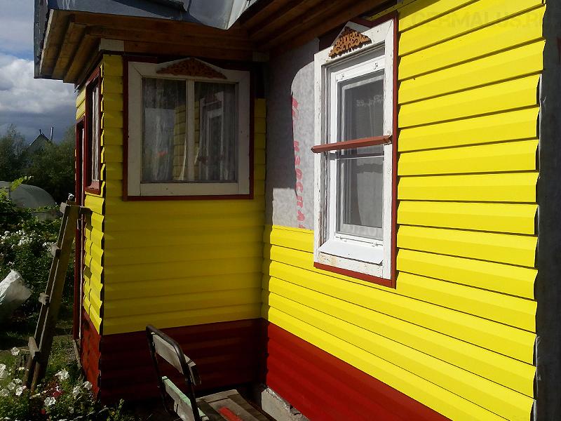 Процесс монтажа сайдинга советский район/шлюз/ Сайдинг: цвет комбинированный: спелая вишня RAL3011 и желтый RAL1018 монтаж производился без подсистемы на ровную деревянную стену дома/ 2014 год.